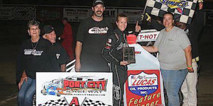 Decker is First Female POWRi West Winner
