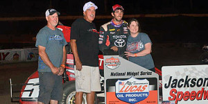 Daum Dazzles in POWRi Midget Week Round Three