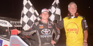 Seavey Scores POWRi Illinois Midget Week Round Three Win