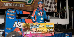 Sunshine in Florida – Opens Winter Dirt Games in Victory Lane!