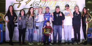 Larson & Bell Solidify Top Contender Status on Chili Bowl Tuesday!